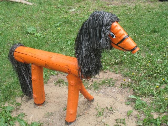 Как сделать лошадь из дерева своими руками на даче