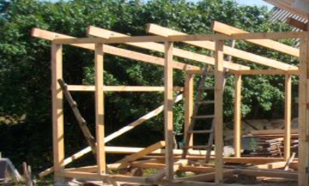 Устанавливаем каркас голубятни, производим строительство крыши, отделку сооружения