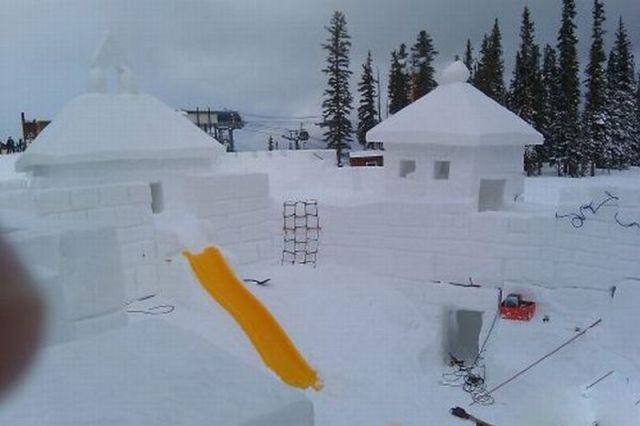 Видео как сделать замок из снега