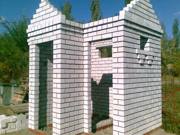 Построить душ на даче из кирпича
